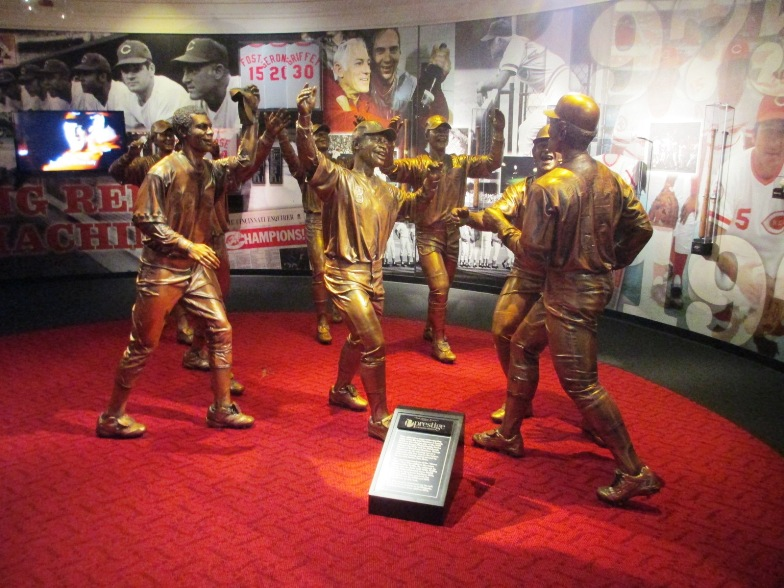 black sox scandal reds statues