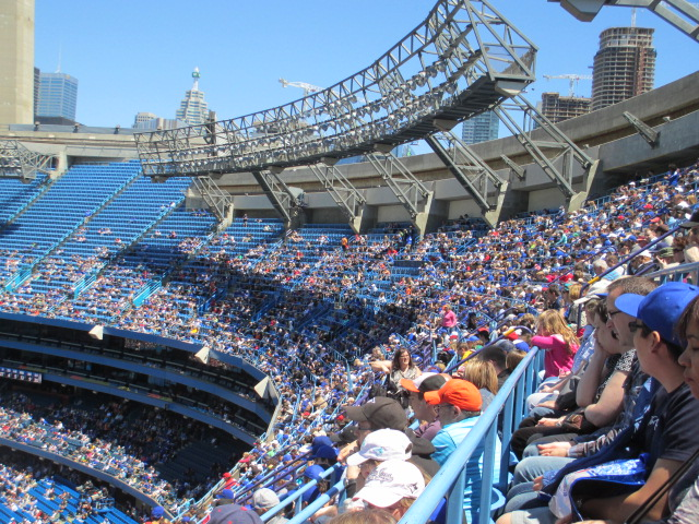 cheap blue jays tickets 500 level crowd shot