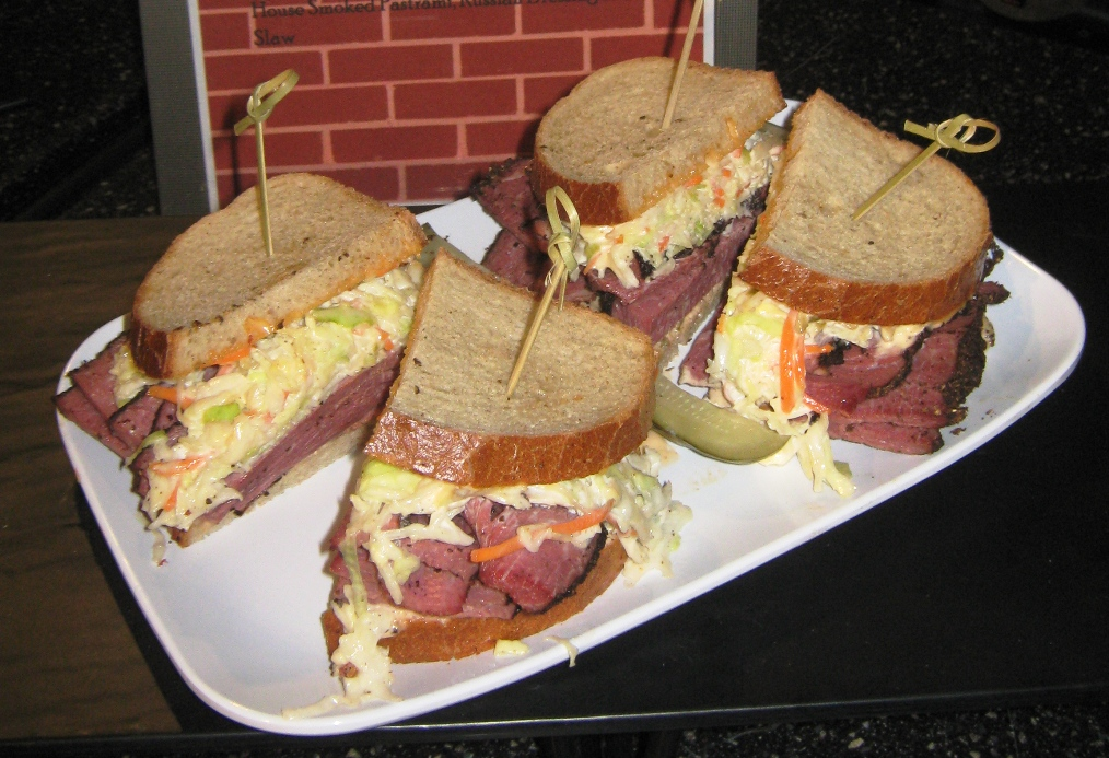 citizens bank park food alley pastrami