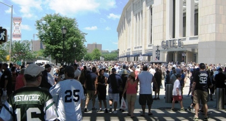 new yankee stadium lines outside