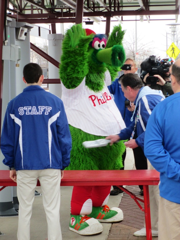 citizens bank park phillie phanatic