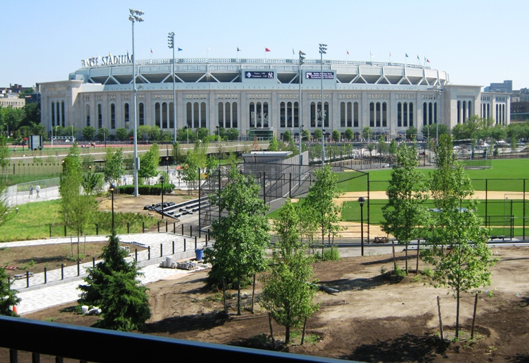 new yankee stadium view from metro north