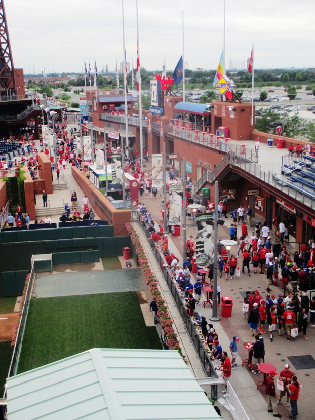 citizens bank park tips ashburn alley