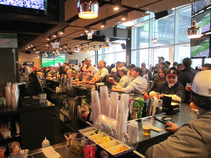 guaranteed rate field restaurants chisox bar and grill