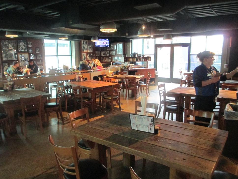 comerica park restaurants beer hall