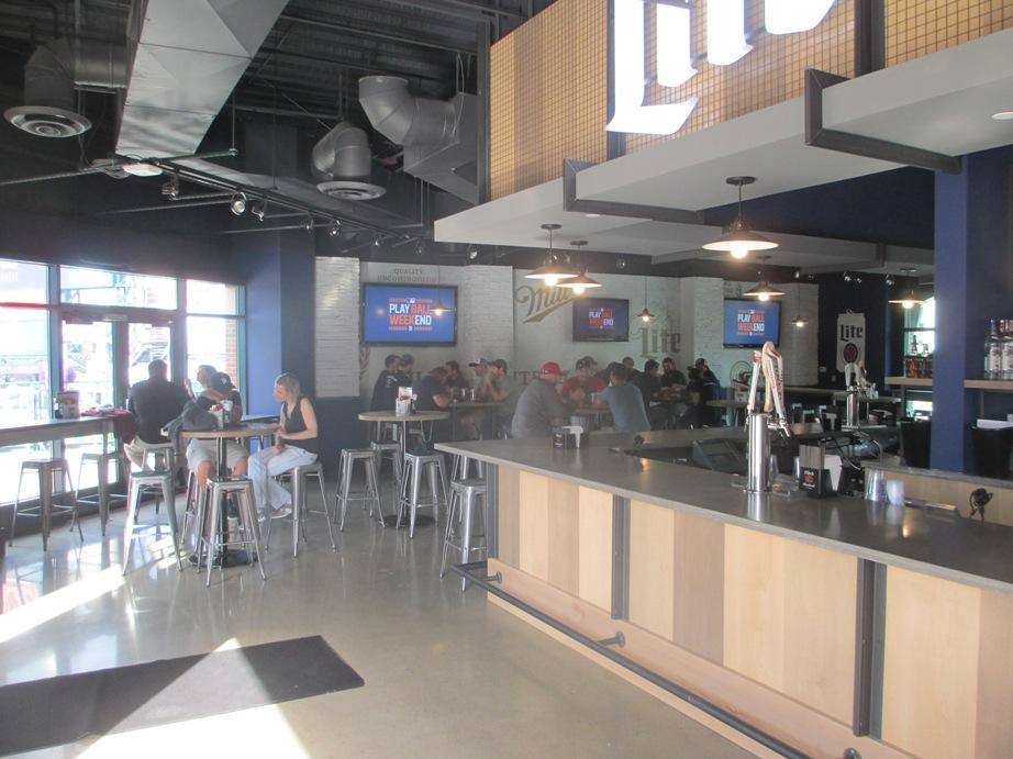 comerica park restaurants miller lite pitchers pub
