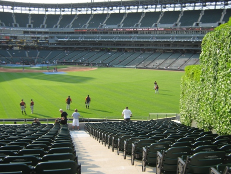 guaranteed rate field seating tips outfield