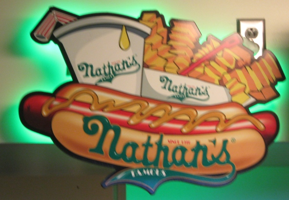 yankee-stadium-food-nathans